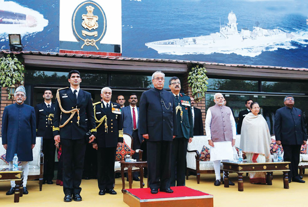 pic_3_-_hon_ble_president_at_the_navy_day_reception